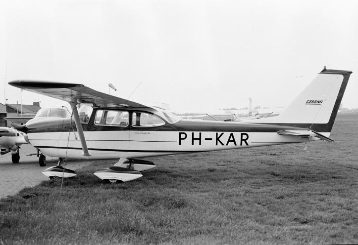 ph-kar 1972-00943.jpg